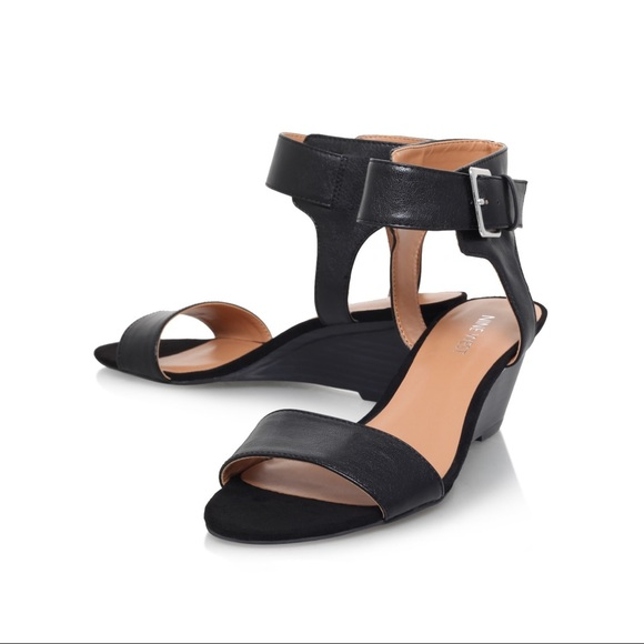 Nine West Pepperman Black Wedge Sandals